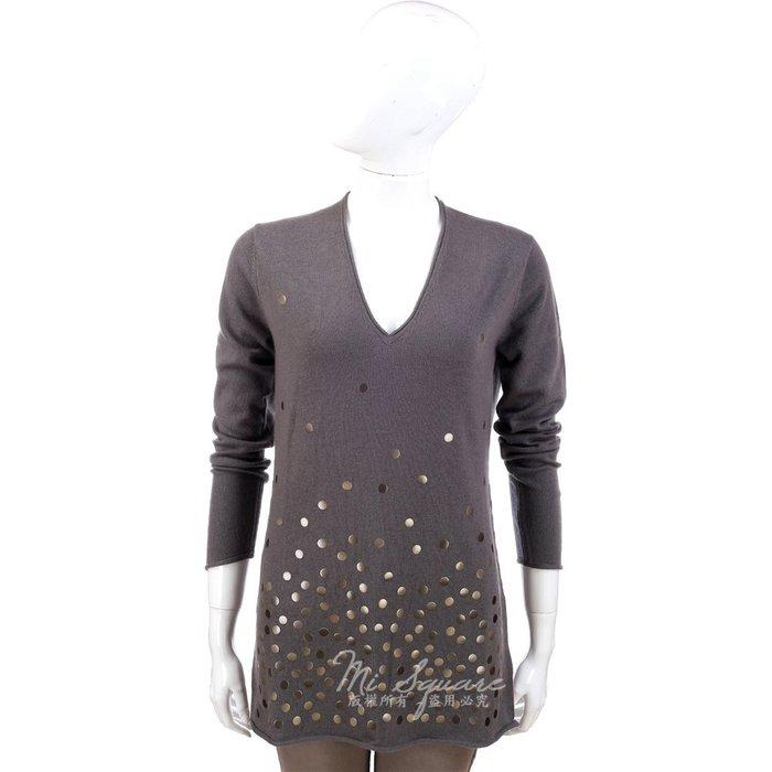 米蘭廣場 ALLUDE 咖啡灰色銅片綴飾V領長袖上衣 1340325-07