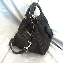 【七彩魚】ACCLAIM 黑色麂皮小手提包 手挽包 三隔層毛皮珠寶鑽飾 細長背帶小包 晚宴包  - 極新