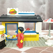 Lego 6683 齊件 齊貼紙 不連說明書 Burger Stand / Town / City / Classic / Food & Drink 1983