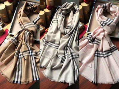 burberry戰馬刺繡格紋蛇紋羊絨圍巾 三色 Luxe boutique 孫芸芸 deposit