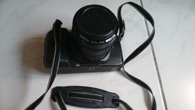 canon  相機   (鏡頭70mm)  + 閃光燈   傳統相機