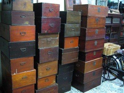 復古珍藏館               早期檜木箱.行李箱.皮箱