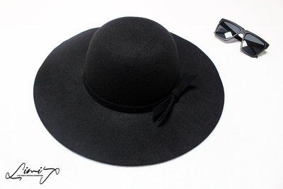 黑色圓頂超寬沿紳士帽 Wide brim hat 荷葉邊 歐美 復古 百搭  軟毛呢 超大帽簷 【LtLf】