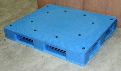 售二手_9成新以上,露營底墊~南亞塑膠棧板SC-120100-150 E/CP 藍色棧板,有1個,只售1,500元