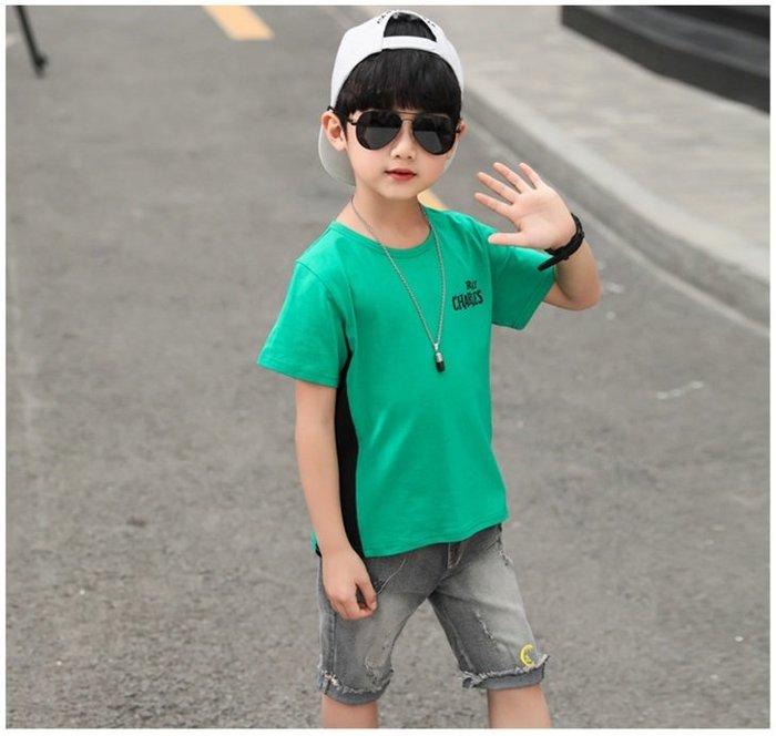 日韓歐美♥韓版 男童 個性字母拼接撞色上衣+短刷白牛仔褲 兩件式套裝   【E895】