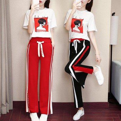 哆啦本鋪 套裝 俏皮休閒風印花T恤條紋開衩闊腿褲兩件套 D655
