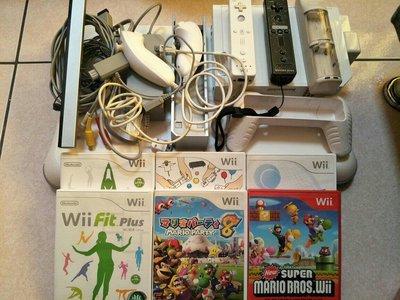 Wii 日文主機 原廠握把一個加另一個副廠握把 Wii Fit平衡踏板 加六片光碟