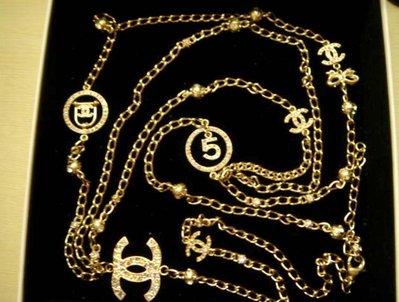 CHANEL COCO 玫瑰金長項鍊 經典No5/鳥籠/雙C/蝴蝶結徽章內嵌七彩寶石