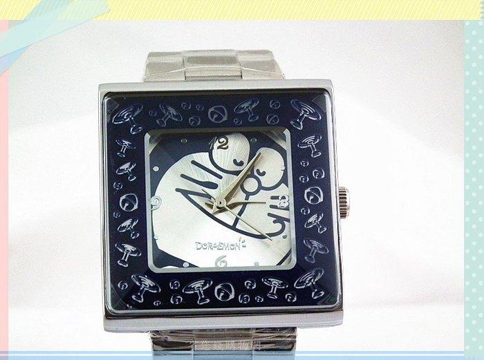 《省您錢購物網》全新~【 Doraemon多啦A夢 小叮噹】立體菱形鏡面 竹蜻蜓 鈴鐺 方形錶(深藍)