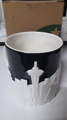 ((全新品)) Starbucks星巴克 西雅圖Seattle 黑白浮雕馬克杯/城市杯 16oz