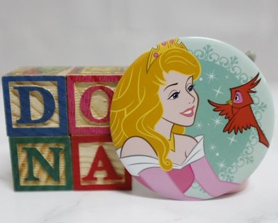 【Dona日貨】日本迪士尼store限定 睡美人奧蘿菈公主和小紅鳥 胸章/ 別針/ 徽章 B40 台中市