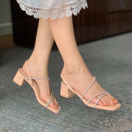 『Alice❤愛麗絲』帶鑽亮條一字帶涼鞋粗跟仙女的鞋夏季新款搭配裙子的高跟鞋