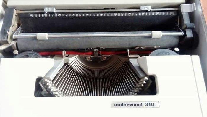 [ov&O] Underwood 310 打字機 功能正常 可換色帶