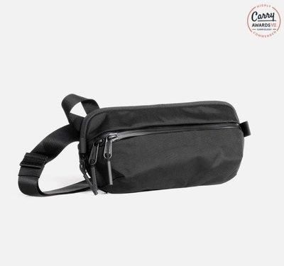 《FOS》美國 Aer Day Sling 2 腰包 小包 側背包 後背包 手機包 防撥水 防彈尼龍 上班 出國 新款