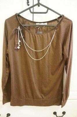 轉賣evermore日本帶回咖啡色 蝴蝶結珍珠項鍊綴飾 長袖薄踢   原價約900