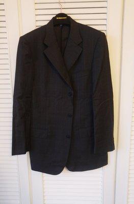 歐碼54【CERRUTI 1881】夏綠蒂黑標灰色細橘條紋單排三扣西裝上衣