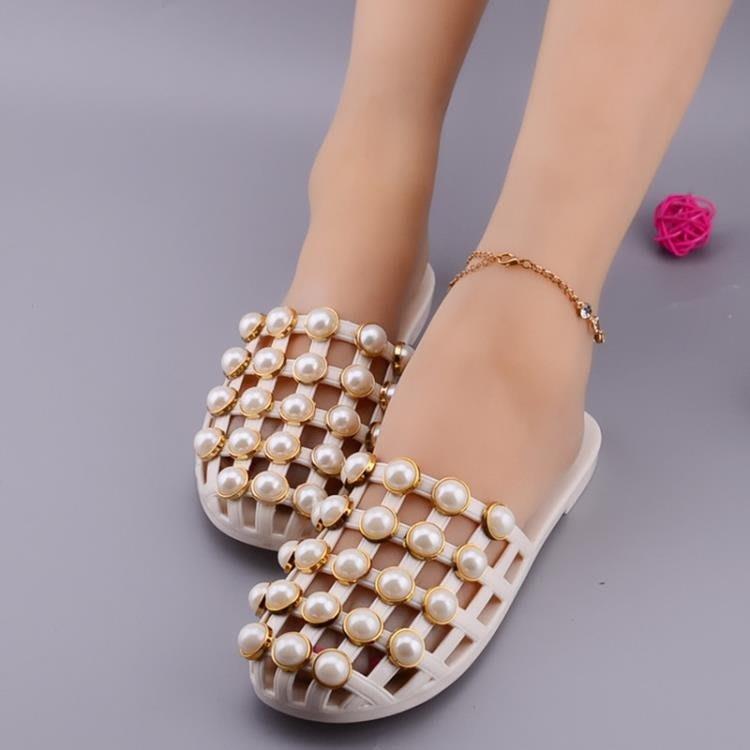 包鞋  拖鞋女夏包頭鏤空平跟圓頭珍珠半拖鞋羅馬平底女涼鞋涼拖鞋 [免運✿貝貝海灘]