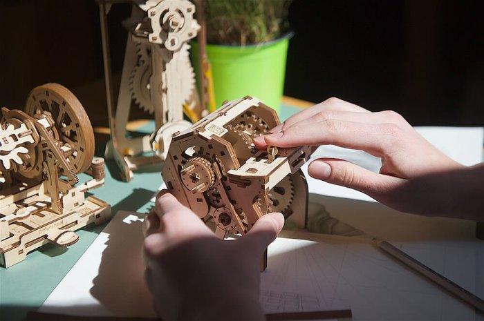 Ugears STEM教育系列-神奇變速箱 DIY學習木質模型 AR擴增實境