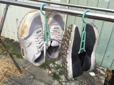 曬鞋夾 曬鞋架 曬衣架 戶外多用途晾鞋架 晾鞋架 搭配曬衣架購買有折扣