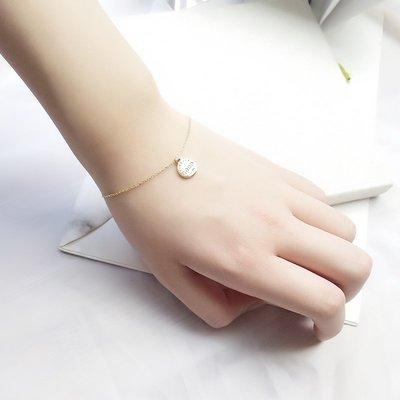 Lissom韓國代購~e 家懶人925銀英文字母圓片手鍊女個性時尚正韓簡約手腕飾品金色