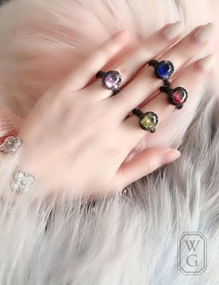 :::W.G:::歐美大寶石經典系列 藍寶石 紅寶石 綠寶石 紫寶石戒 GRAFF