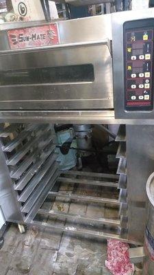 旋風烤箱三麥公司出廠、附烤皿8個、保固半年