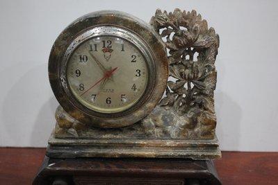石雕老鬧鐘