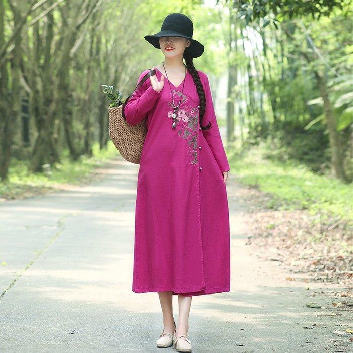 小尤家~民族風連衣裙女中長款春夏中國風寬松復古刺繡棉麻長袖V領打底裙
