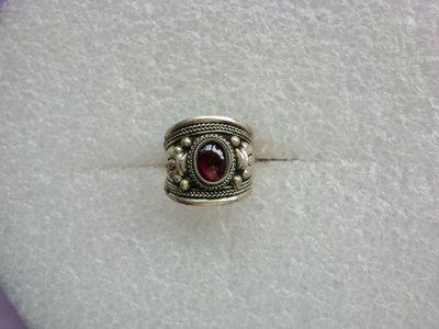 西藏老戒:藏銀.鑲紅碧璽1