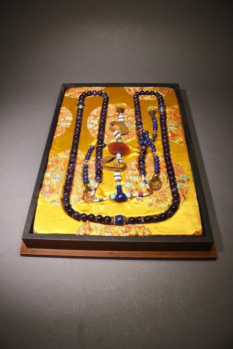 悅年堂 --- 紫水晶 朝珠 帶漆盒