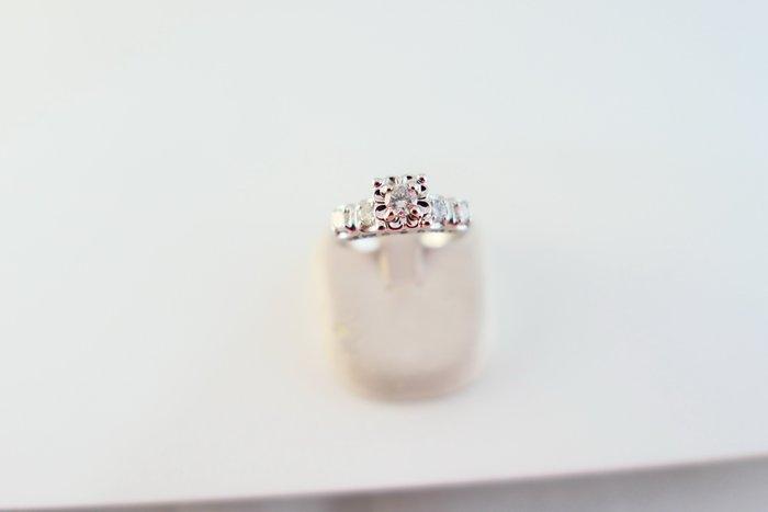 [吉宏精品交流中心]20分 天然鑽石 白K金 豪華台 造型 戒指