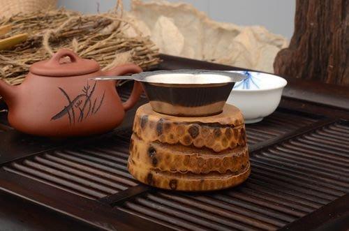 【自在坊】茶具 原生態竹根雕 茶漏托架 創意作品 茶道配件 手工竹制 茶漏架 簍空茶漏托 自然生成 每個皆有其獨特性