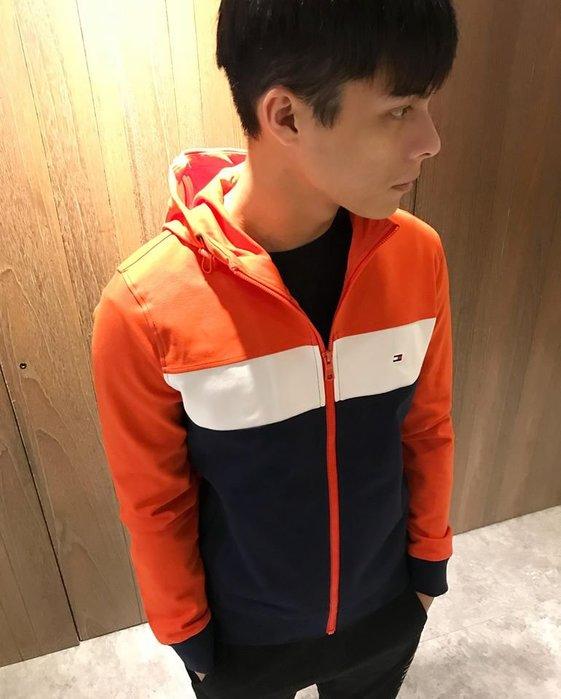 美國百分百【Tommy Hilfiger】外套 TH 連帽 輕薄 透氣 雙色 防風 風衣 夾克 橘藍 S號 J672