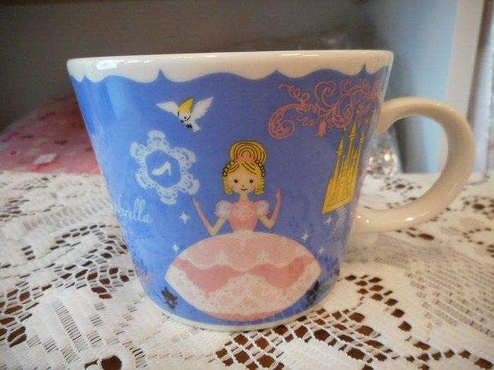 ~~凡爾賽生活精品~~全新日本加藤真治灰姑娘造型早餐杯.湯杯.大馬克杯