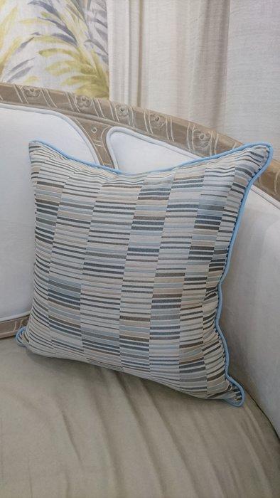 [C042] 英國進口緹花布 多重短線極簡 抱枕 低調 現代  棉心另購