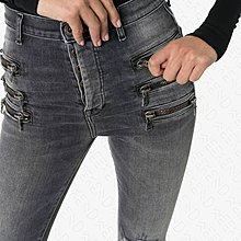 【WEEKEND】 UNRAVEL 破壞 高腰 排扣 拉鍊 緊身 窄管 牛仔褲 灰黑色 19秋冬