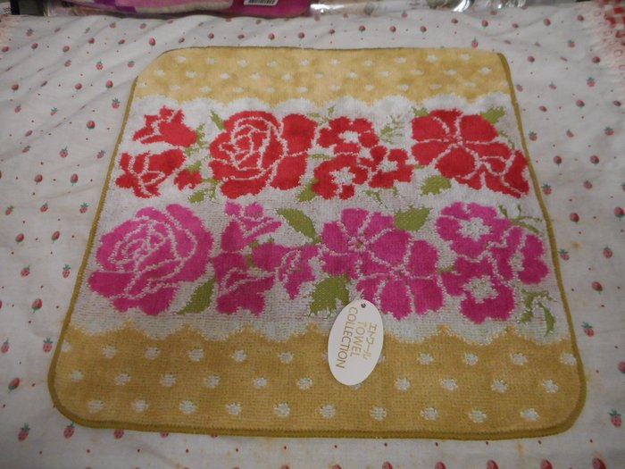 ~~凡爾賽生活精品~~全新日本進口雙色玫瑰花造型純棉小方巾.手帕~日本製
