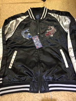 [變身館日本服飾]~OLD MILLS~藍紅~錦鯉魚圖~橫須賀~緞面~刺繡~夾克~外套~黑~日本購入~全新現品~薄的~L
