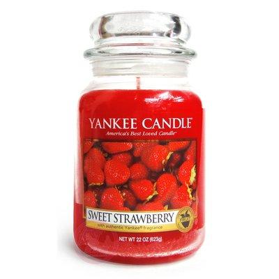 便宜生活館【家庭保健】Yankee Candle 香氛蠟燭 22oz /623g (甜草莓) 全新商品 (可超取)