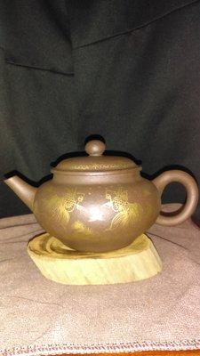 早期紫砂壺—泥料:老紫泥,獨孔出水,容量約300CC