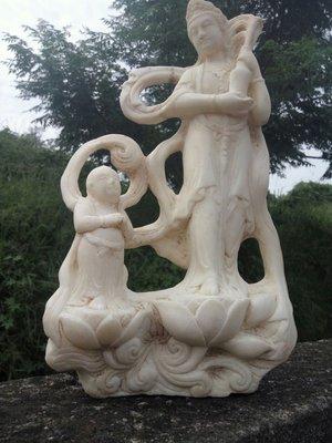 手工觀音雕刻品,漢白玉,歷史做品,年代久