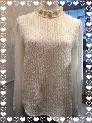正韓 Gunny girls直條紋毛呢長袖雪紡,雪紡蕾絲2層立領,質感超好。原價$1980,現貨出清優惠價$980。