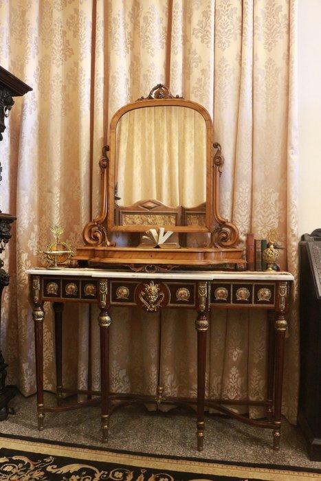 【家與收藏】特價稀有珍藏歐洲百年古董英國維多利亞時期古典精緻珍貴手工老桃花心木雕梳妝鏡/桌鏡