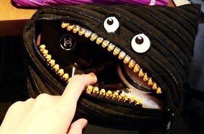 PapaDarling 名模愛用款 潮牌眼睛怪獸化妝包 金牙化妝包 手拿包 收納包