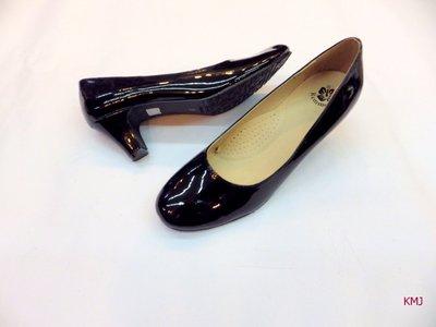[統帥鞋城]11)2439新款黑色亮皮大尺碼大腳丫也可以穿得美美(上班正式場25.5~~~~27號網路超值大特價$550