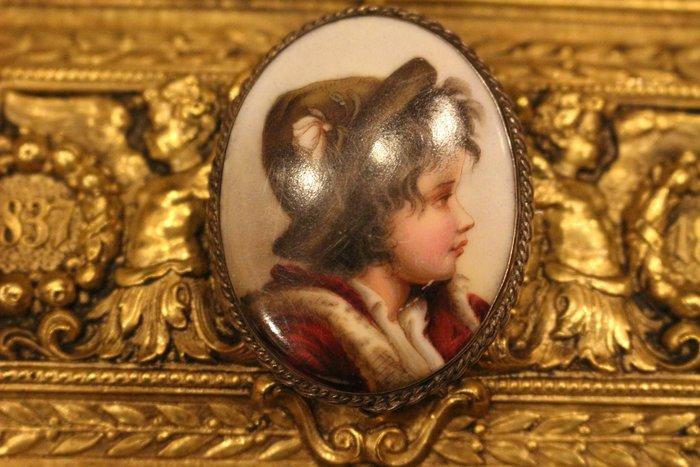 【家與收藏】特價極品稀有珍藏歐洲百年古董法國手工琺瑯搪瓷微型畫手繪人物珠寶胸針2