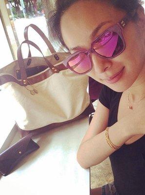 【時尚拜金女】「雙胞胎名模」妹妹張珈瑜自創品牌YuYu-Chang Chia Yu休閒時尚Weekday Bag