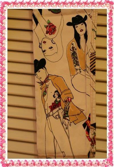 全新專櫃真品Moschino Jean With Love白色時尚塗鴉party秀牛仔褲原價$14200