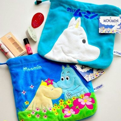 【東東雜貨】日本單MOOMIN嚕嚕咪嚕嚕米姆明束口袋收口袋抽繩包絨毛化妝包手拿包手機包隨身收納包萬用包隨身包小物包零錢包