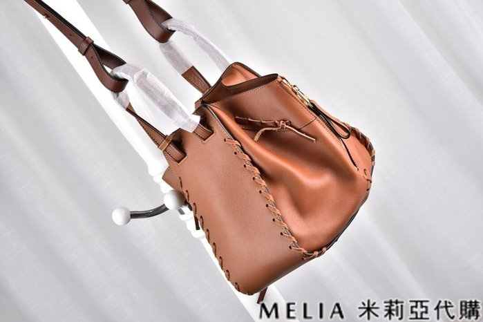 Melia 米莉亞代購 美國精品代購 LOEWE 羅意威 限時特價款 編織繩吊床包 NAPPA皮質柔軟 棕色